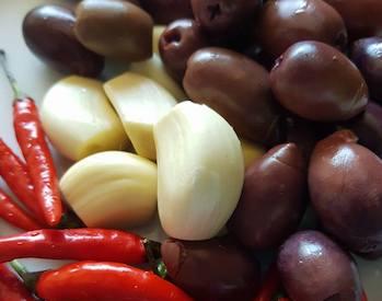 chili and garlic stuffed olives